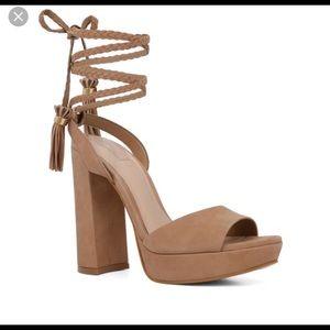 also chareri heels